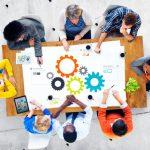 Ekonomika, poslovna vrednost projektov in najboljše metode za obvladovanje sprememb in tveganj pri vodenju projektov